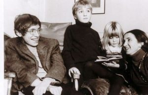 robert-hawking-childhood-with-lucy-jane-and-stephen