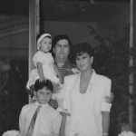 manuela in childhood with her parents