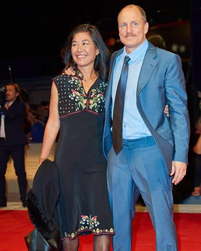 laura and husband Woody Harrelson